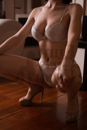 Cinzia escort girl in Hazleton and thai massage