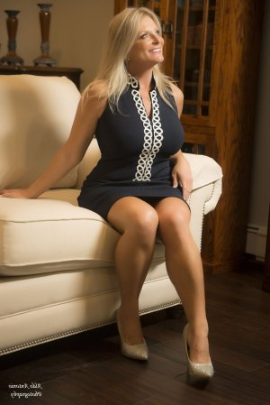 Lanha escort girl in Newburyport